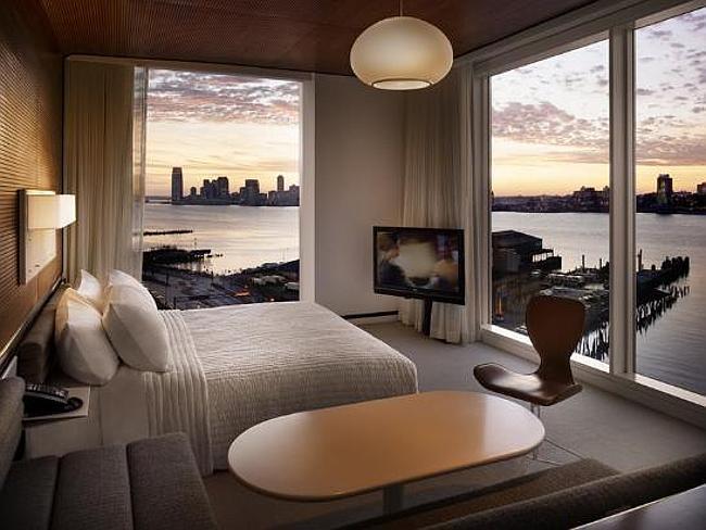 Phòng ngủ khách sạn Standard High Line Mỹ