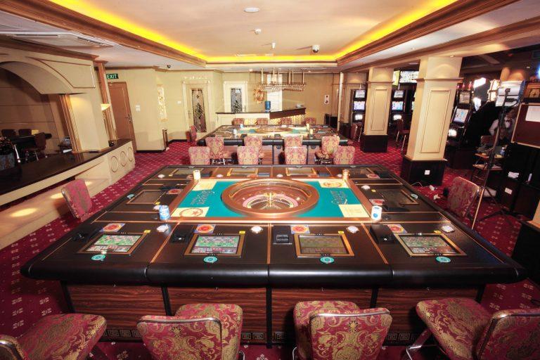 cac-khach-san-ha-noi-co-casino-noi-tieng-1