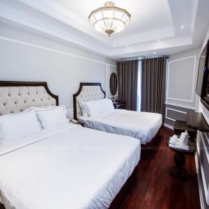 Set nội thất phòng ngủ khách sạn 4 sao mẫu 09