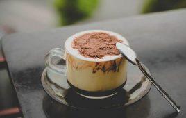 Cách pha cà phê trứng món ngon làm say lòng người đất thủ đô