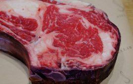 Thịt bò dry aged là gì? Đặc sản đắt đỏ nhưng không phải ai cũng dám ăn