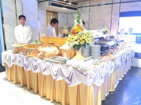 cach-set-up-ban-tiec-buffet-01