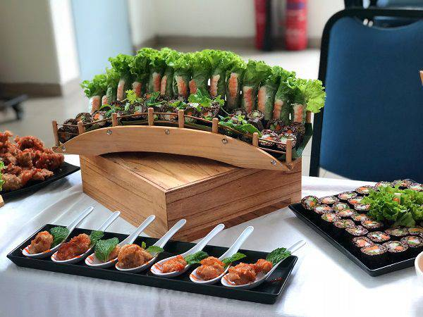 cach-set-up-ban-tiec-buffet-11
