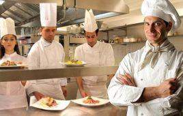 Bếp trưởng tiếng anh là gì? Lộ trình thăng tiến ước mơ dành cho mọi người trẻ
