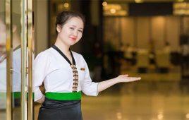 Lễ tân khách sạn là gì? Tìm hiểu công việc của lễ tân khách sạn