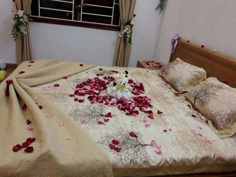 Cách trang trí giường cưới đẹp
